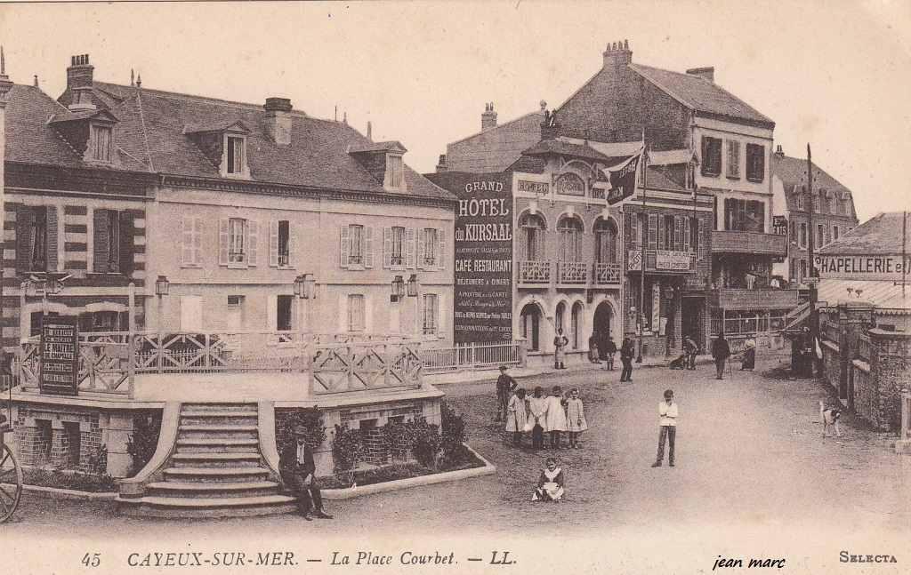 Cayeux-sur-Mer-La-Place-Courbet