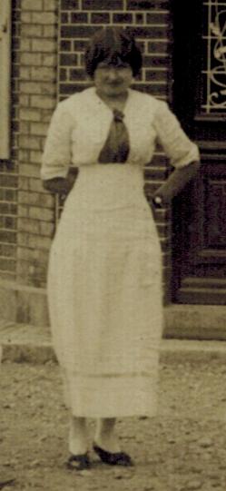 germaine-robe-blanche